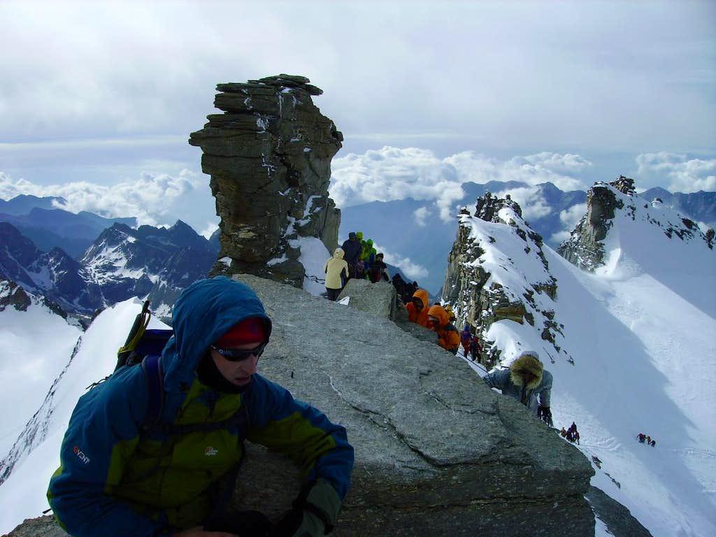 Gran Paradiso summit crowds