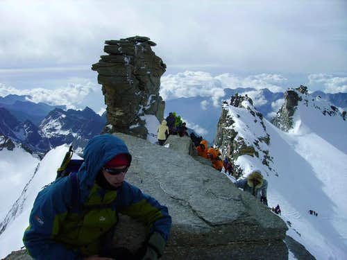 Gran Paradiso summit crowds