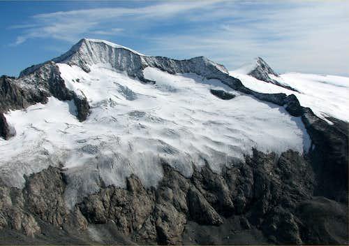 Grossvendiger, 3667m seen from Grosser Geiger, 3360m.