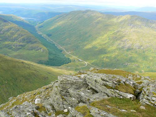 Stob Coire Creagach and the long ridge of Binnein an Fhidhleir