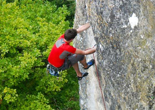 Surgy cliff - Tire à Bras (5+)