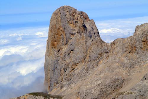 Naranjo de Bulnes in the sea of clouds