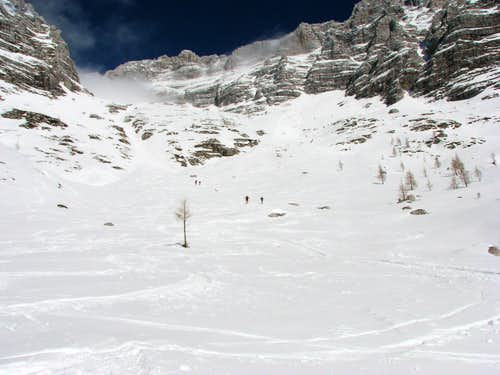 Ski route to the notch Forca de la Val