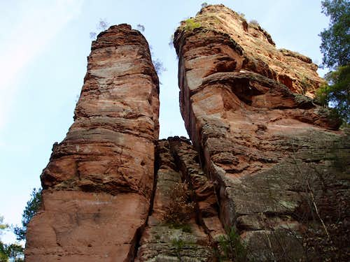 The two climbing-towers, from the Glasfels (en) ...