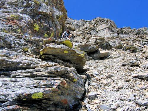 The treacherous summit-block cliffs...