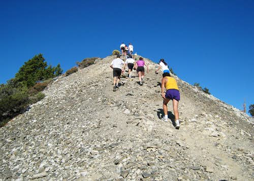 Runners on Devil\'s Backbone