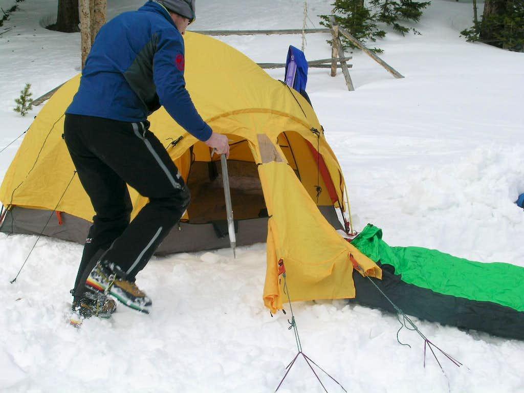 make a winter camp