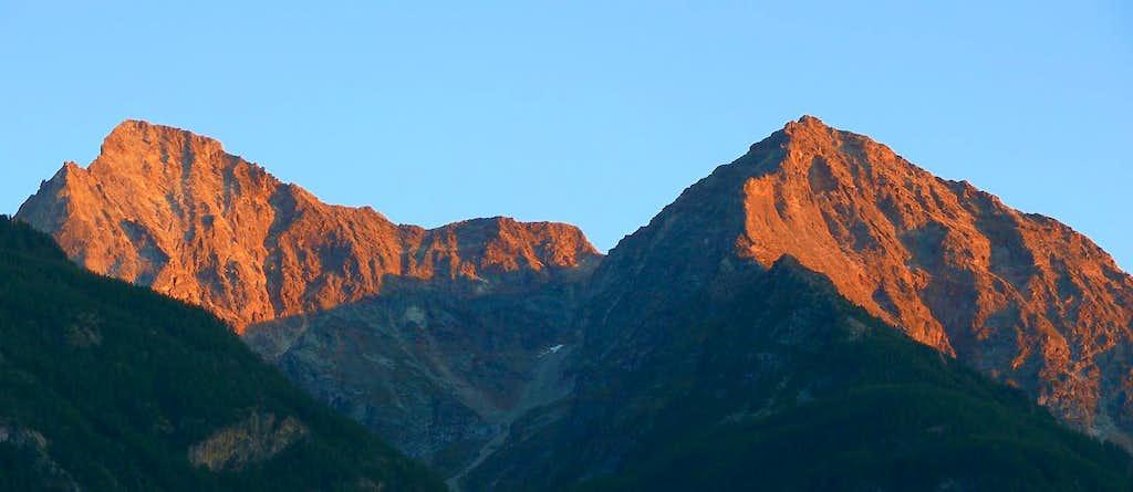 Sunset on the Monte Emilius...