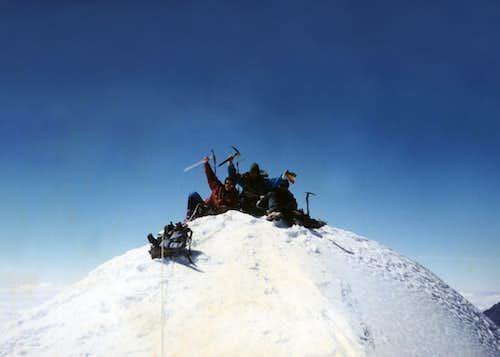 Summit pequeno Alpamayo
