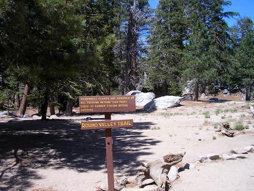 Round Valley Trail Sign