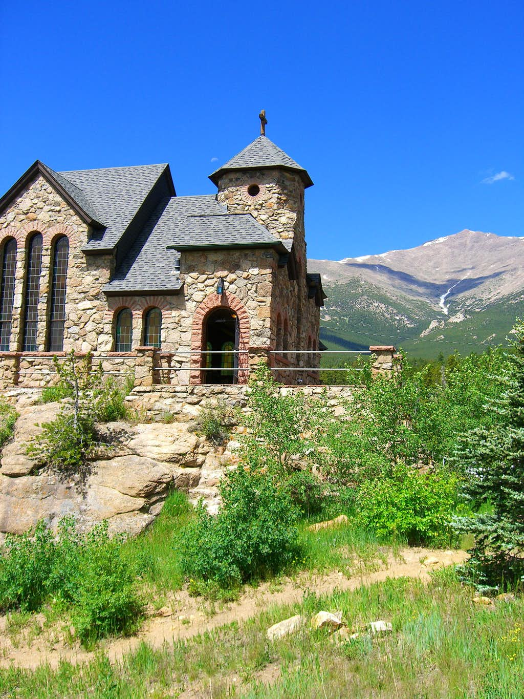St. Katherines Church at the foot of Longs Peak