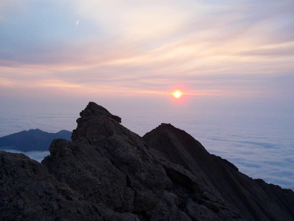 Sunrise from Mt Meeker