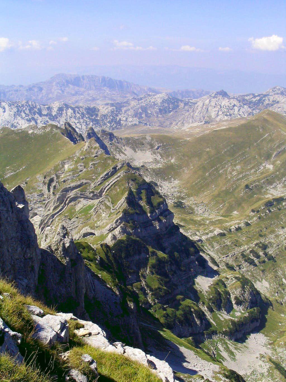 Sareni Pasovi geological wonder