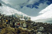 Moraine camp (4800 m)....