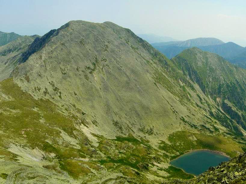 Păpuşa peak