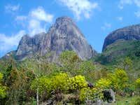 Tres Picos and Capacete