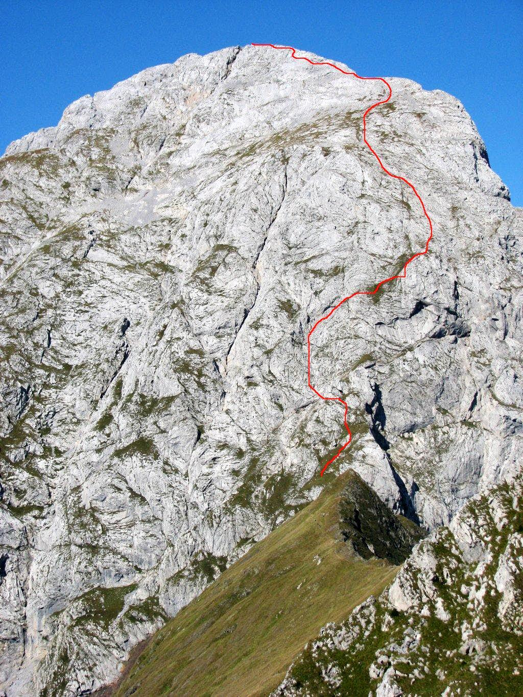 The scheme of the route over the east face and ridge.