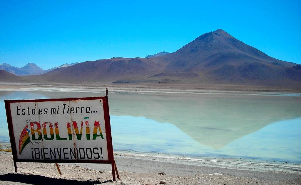 Laguna Blanca (4320m - Bolivia) : Photos, Diagrams & Topos ...  Laguna Blanca (...