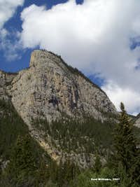 Mother\'s Day Buttress, 5.7-5.10c