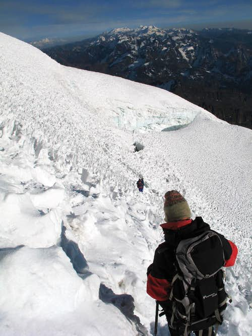 Huayna Potosi, 09/03/2007, view from the top to the Cordillera real (Condoriri...)