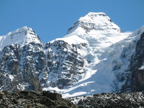 Condoriri as seen from  the lake at 4700 m