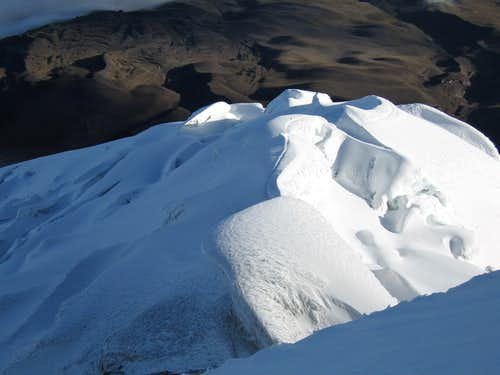 Path up Cotopaxi\'s upper glacier