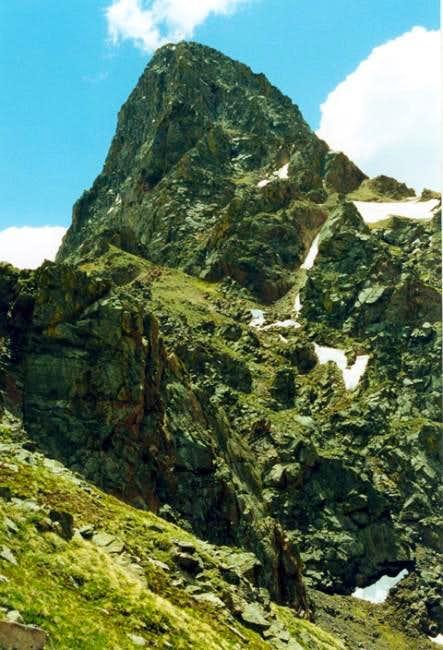 Peak C from Kneeknocker Pass....