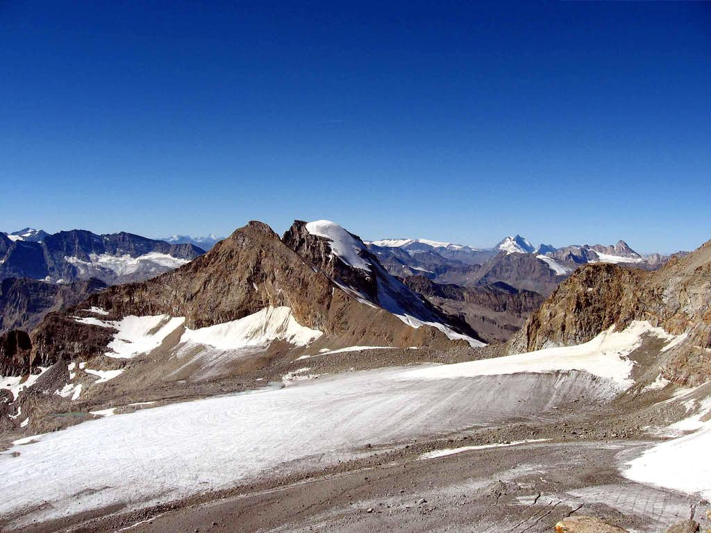 Tresenta and Ciarforon seen from Punta di Ceresole.Above valle dell'Orco.