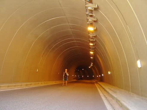 Tunnel in