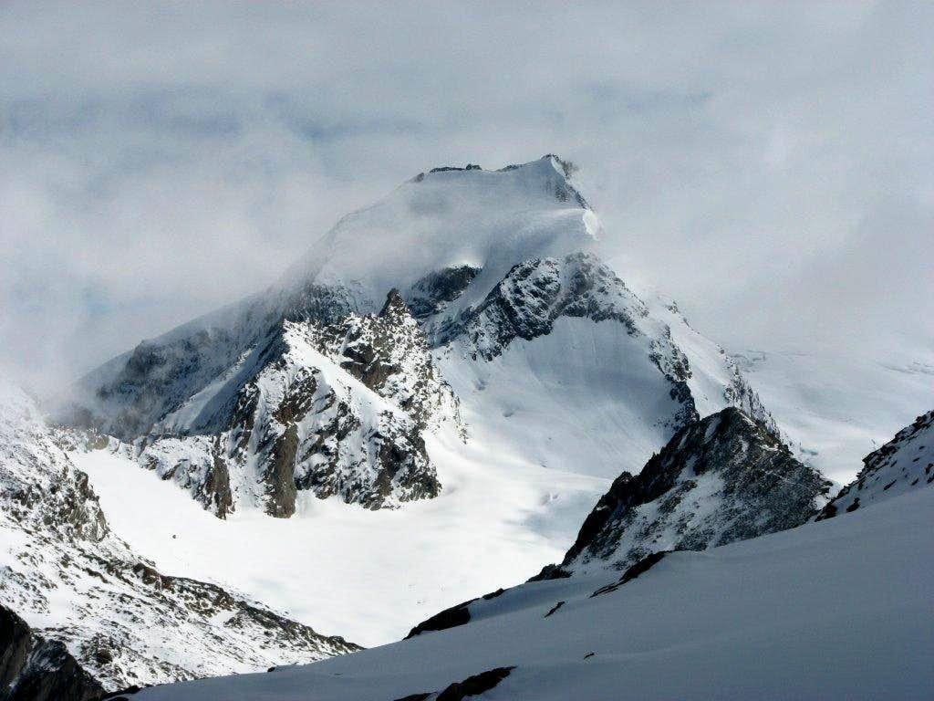 The mighty Picco dei Tre Signori / Dreiherrenspitze, 3499m from the west side.
