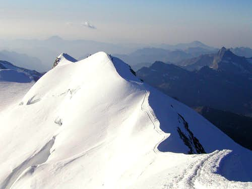 Climbers on the ridge of Castor, 4226m.
