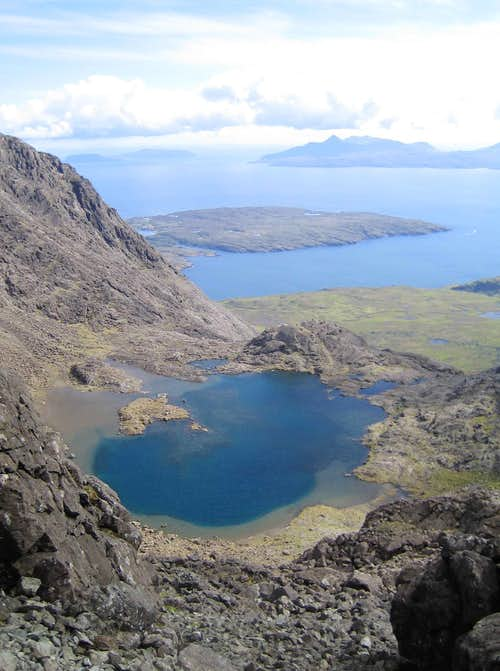 Looking down on Lochan a' Ghrunnda