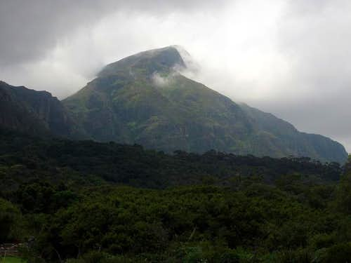 Clouds around Devil\'s Peak