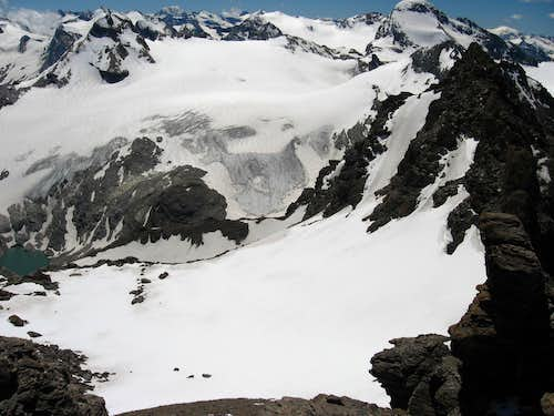 The glacier south of Traversiere.