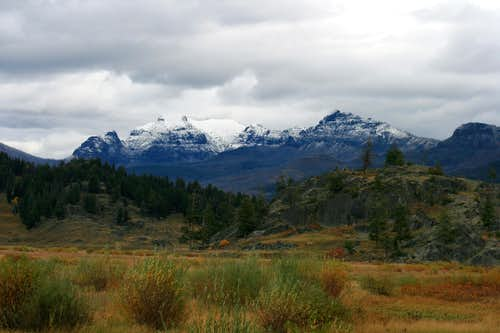 Yellowstone Peaks without Pages