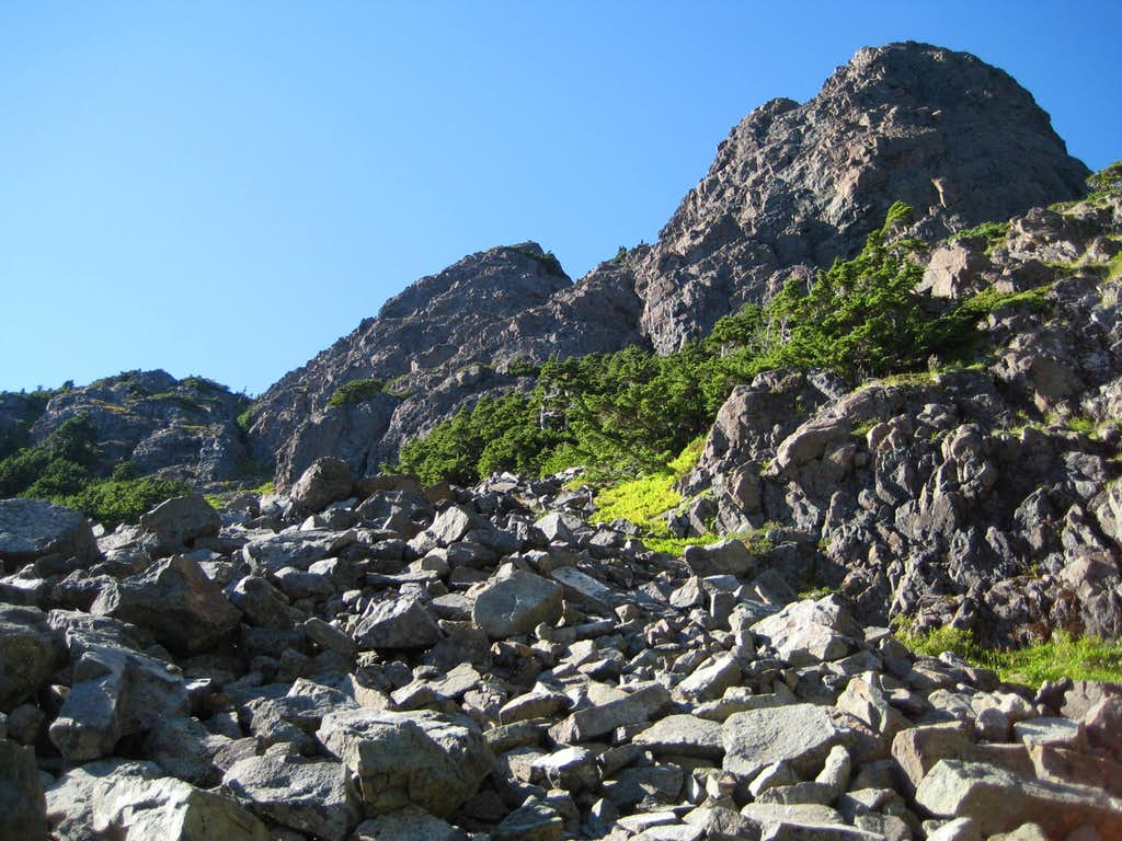 Pinder Peak Summit Complex