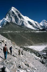 Approaching Gorak Shep