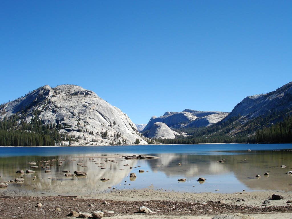 Tenaya Lake in the morning