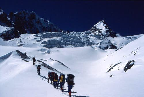 Approaching the Ramdung Glacier