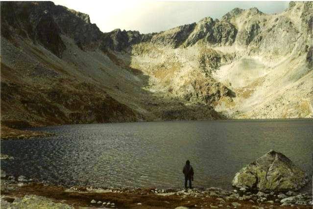 Vel'ké Hincovo lake. October,...
