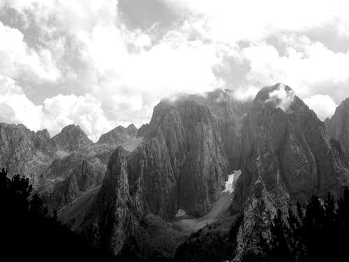 Karanfili(2490m)