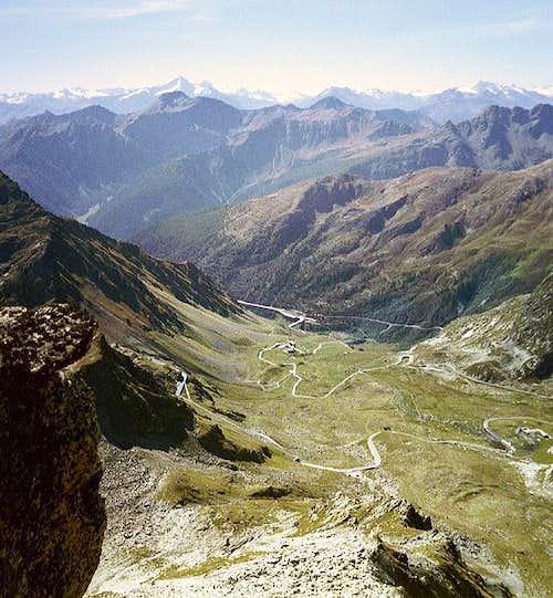 Pass road to Gd. St Bernhard,...