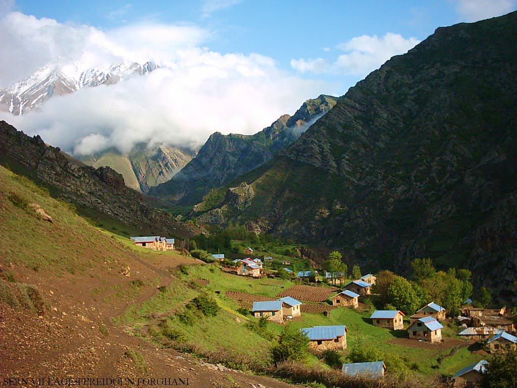 Sern Village-Tonekabon