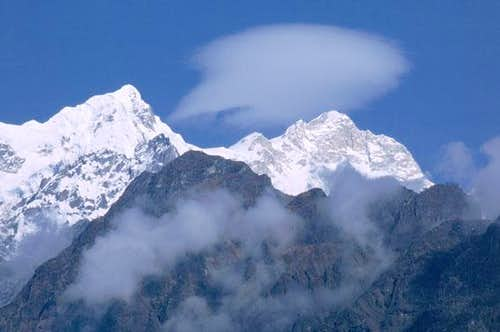 Cloud over Manaslu.