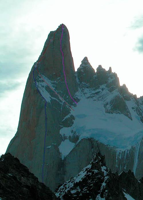 Aguja Poincenot (3002m - routes on East face)
