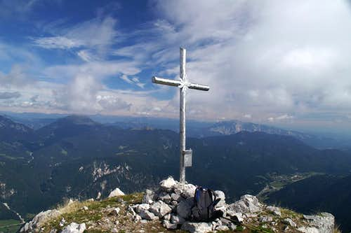 Jôf di Miezegnot summit cross