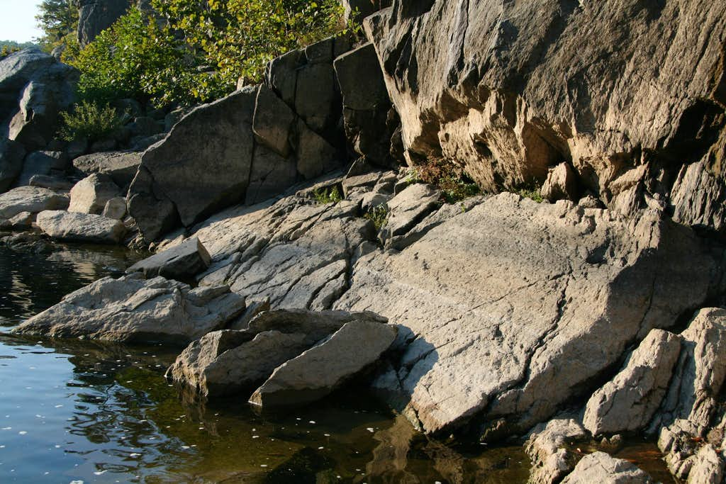 Canal Cut Crags--
