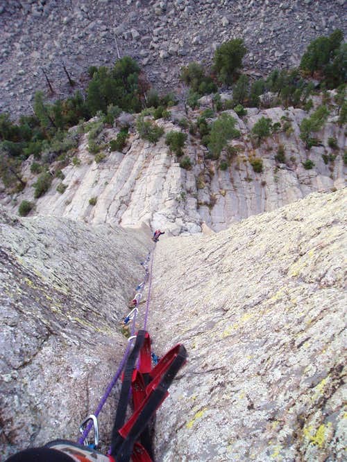 A Long and Beautiful Aid Pitch; 2nd Pitch of BLOTTER IS MY SPOTTER, Devils Tower, Wyoming !!