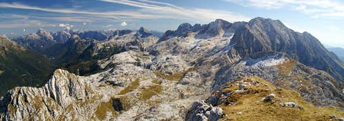 Looking across the altopiano from the summit of Monte Sart