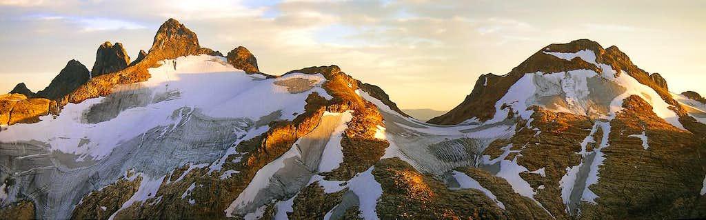 Panorama: Pinnacles Sunset Light